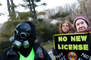 New York Times Covers Indian Point/Spectra Pipeline Protest At Governor's Home