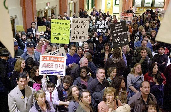 Hundreds fill the lobby of the Westchester County Center seeking to be admitted to a public hearing on  evacuation plans for Indian Point Nuclear Power Thursday March 21, 2002 in White Plains. (Matthew Brown/The Journal News) ad