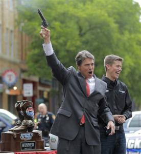 rick-perry-gun-photo